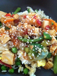 You can pack a lot on punch for not a lot of cash with this Chicken Stir fry!busybudgeter.com