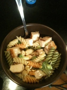 There's more than one way to have an affordable chicken salad! busybudgeter.com