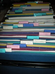 how to organize a home file cabinet