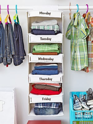 Having a weekly wardrobe set out can help save time while trying to get ready for the day! www.busybudgeter.com