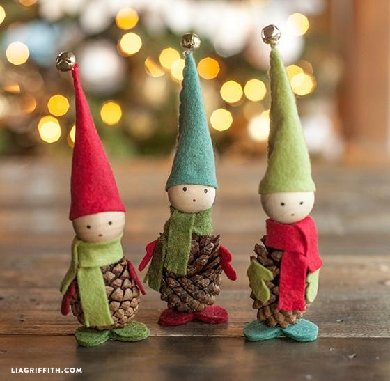 These are so cute! Adorable elves! www.busybudgeter.com