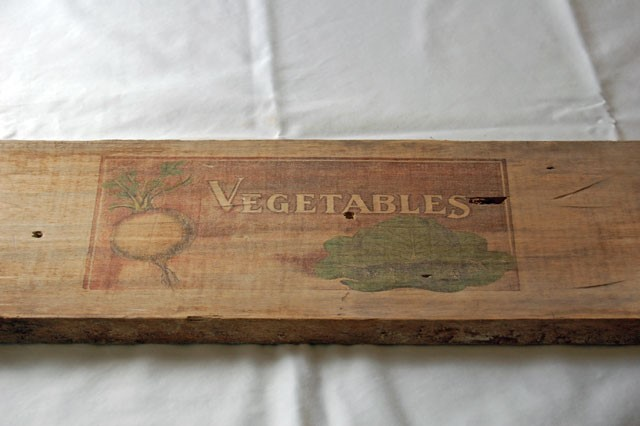 waxed-paper-printed-wooden-serving-board