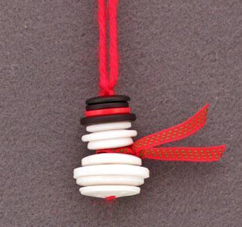 This button snowman is as cute as a button! www.busybudgeter.com