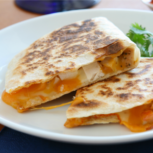Popular with kids AND adults - who doesn't live a quesadilla? You've gotta try this recipes! quick family dinner recipes