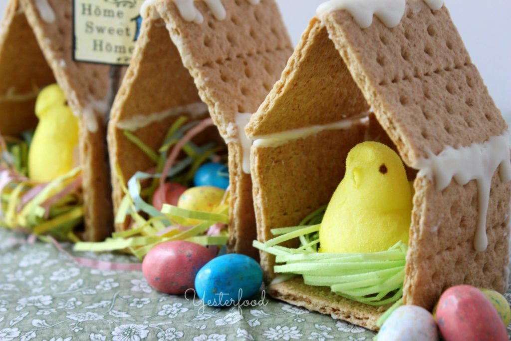 DIY Easter Crafts - my kids LOVED making these and loved eating them too! We saved some to place around the kitchen and they brightened up the mood. My kids constantly want to make more! great idea!