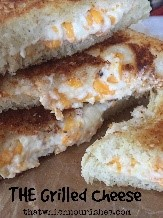 I had never thought of putting cream cheese in a grilled cheese sandwich before! This list has tons of easy grilled cheese recipes that are creative and sound delicious!