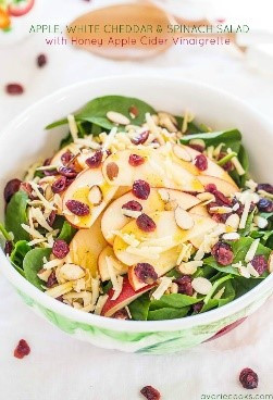 The internet is full of easy salad recipes! We pulled together a list of some of the easiest and most delicious salads you can find. What about this apple white cheddar spinach salad? Looks amazing!