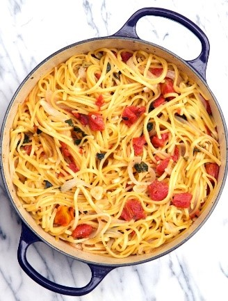 One last pasta dish for this list of easy dinner recipes! This pasta is easy to make, perfect for leftovers, and your family will love it!
