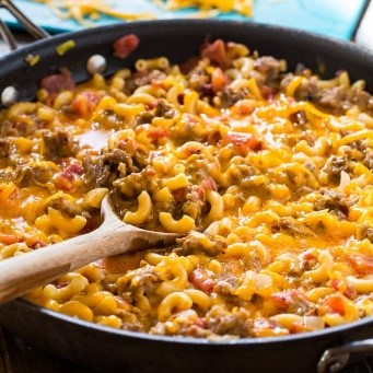Nothing quite like a spiced-up basic mac and cheese recipe! Any one-pan dish is totally something my family will love (and I will love too!)