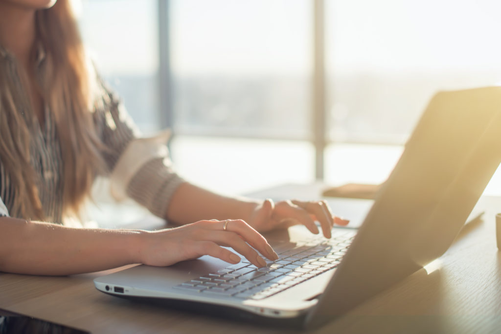 Loved this Elite Blog Academy review- I liked thqat she talked about the cost and explained how to tell if you would have success with it BEFORE you spent the money.